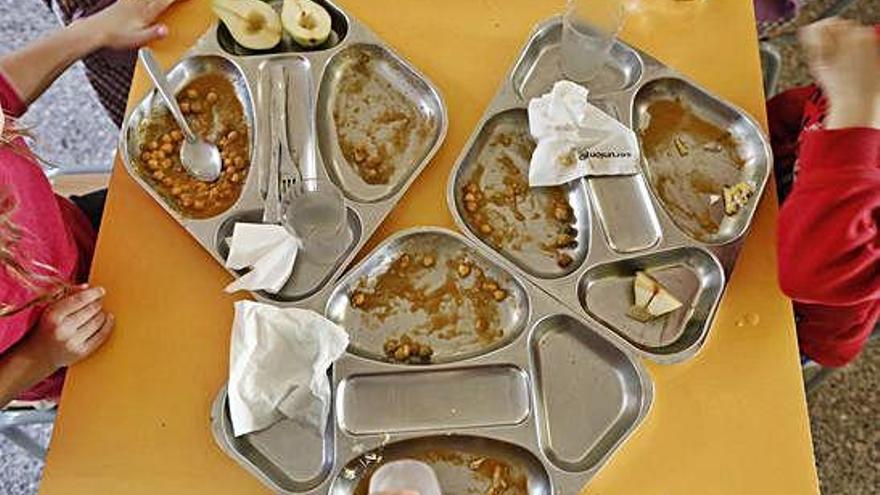 Empreses del lleure denuncien retard en el pagament de beques menjador