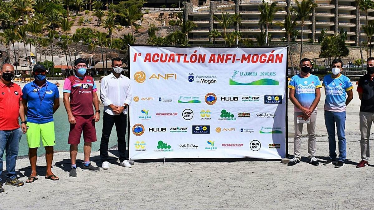 Presentation of the first edition of the Anfi-Mogán Aquathlon.  |  |  LP / DLP