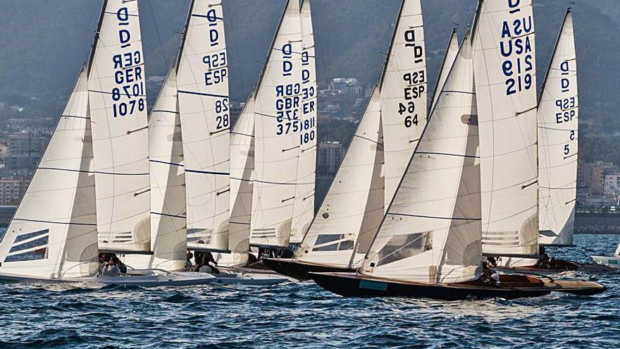 El Trofeo Princesa Sofía de Cruceros y clase Dragon regresa a la Bahía de Palma