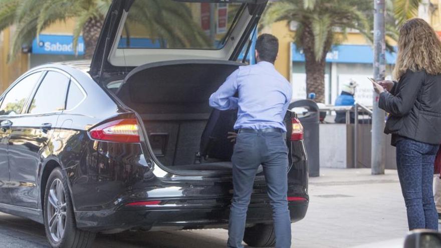 La patronal de Uber y Cabify lleva la ordenanza de Elche ante el TSJ para frenar el tiempo de espera