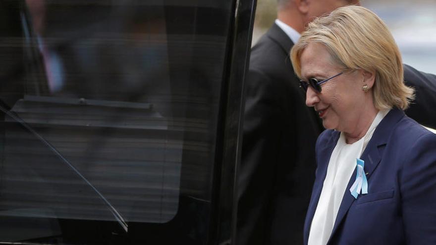 Clinton cancel·la el seu viatge a Califòrnia per una pneumònia