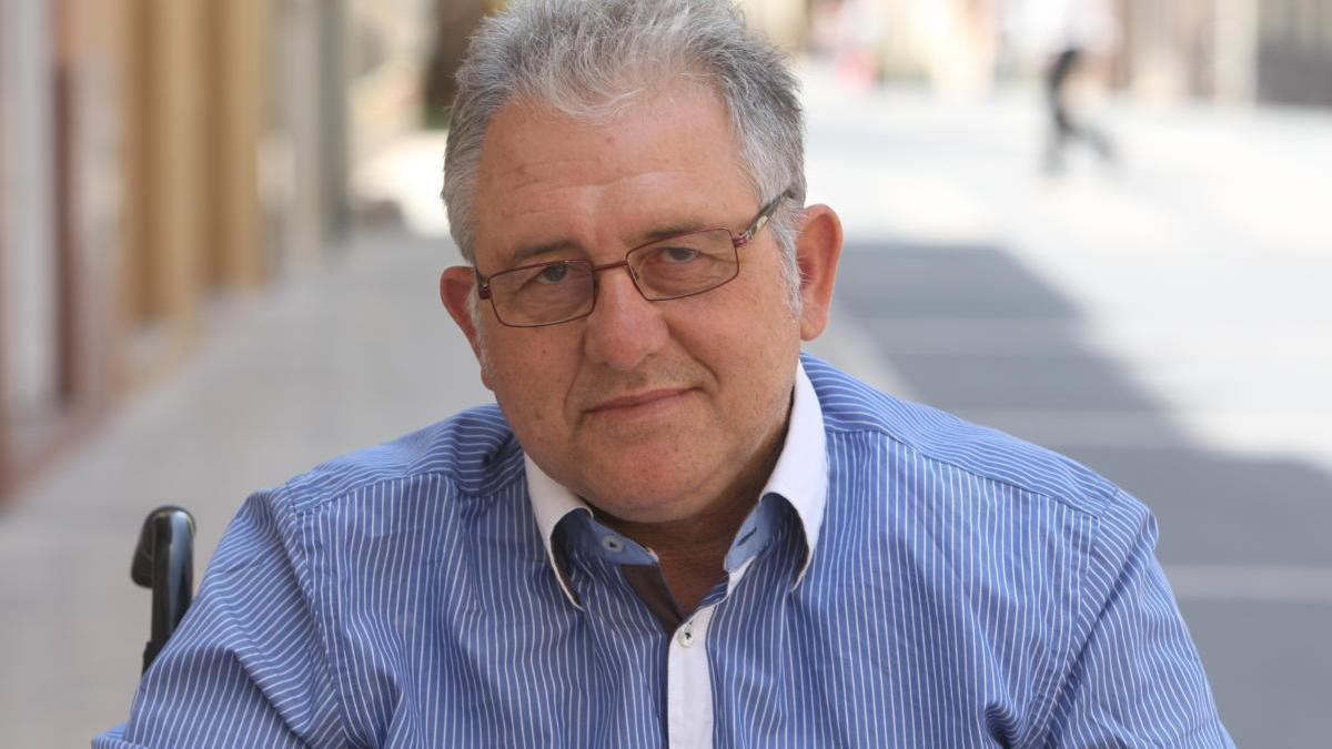 Fallece Josep Antoni Mollà, fundador de 'Crònica' y columnista de Levante-EMV