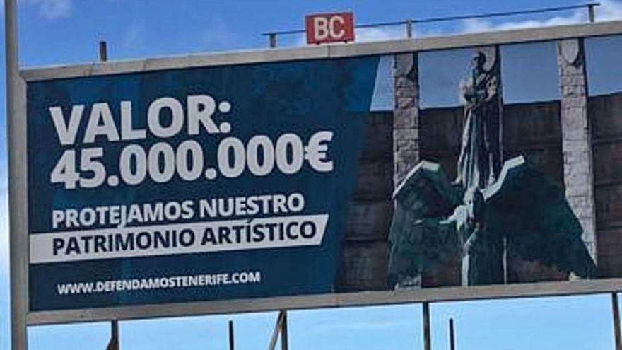 Aparece una valla en Santa Cruz que defiende el valor del monumento a Franco