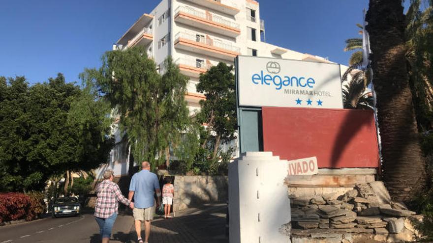 Los trabajadores del hotel portuense Miramar mantienen la huelga