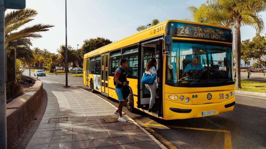 Guaguas Municipales cede 50 bonos de transporte a  Cruz Roja