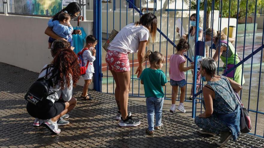 Ibiza registra un solo estudiante con PCR positiva