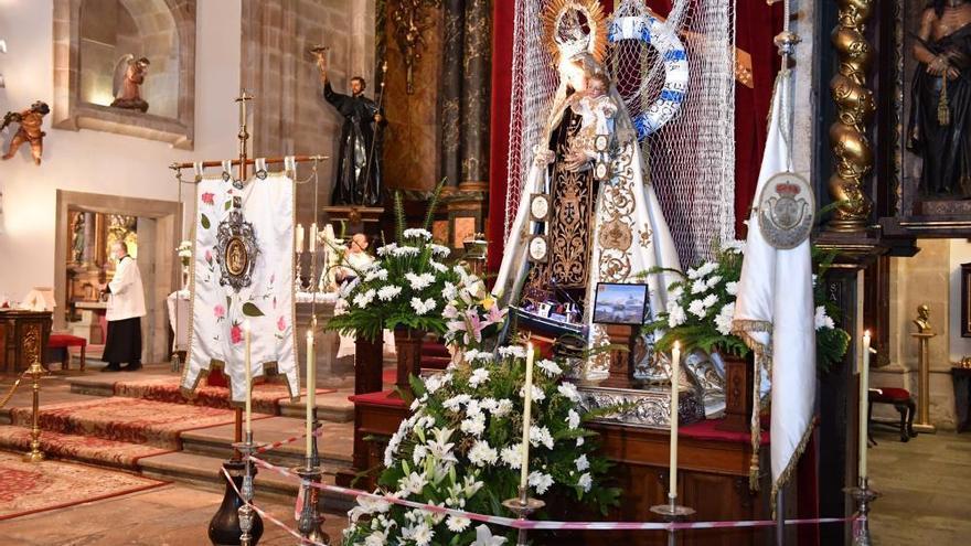 Misa del Carmen en la iglesia de San Jorge