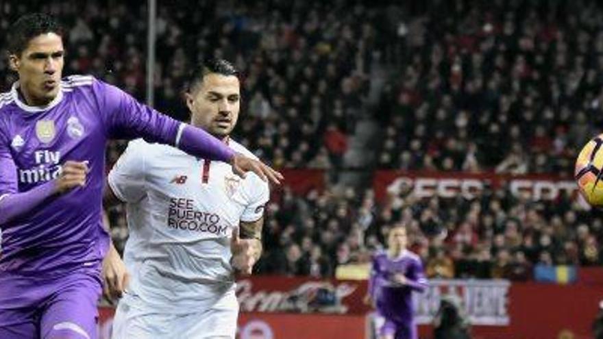 El Sevilla trenca la ratxa del Madrid i dóna vida a la lliga
