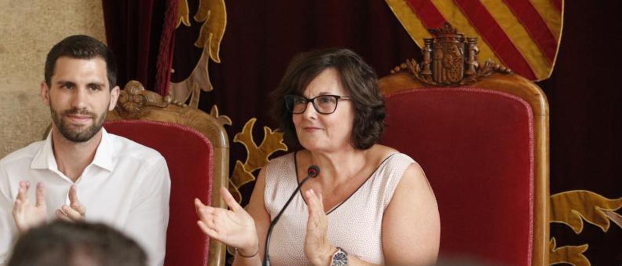 María José Tortosa, a la derecha, durante el pleno de constitución de la Mancomunidad en 2019. | PERALES IBORRA