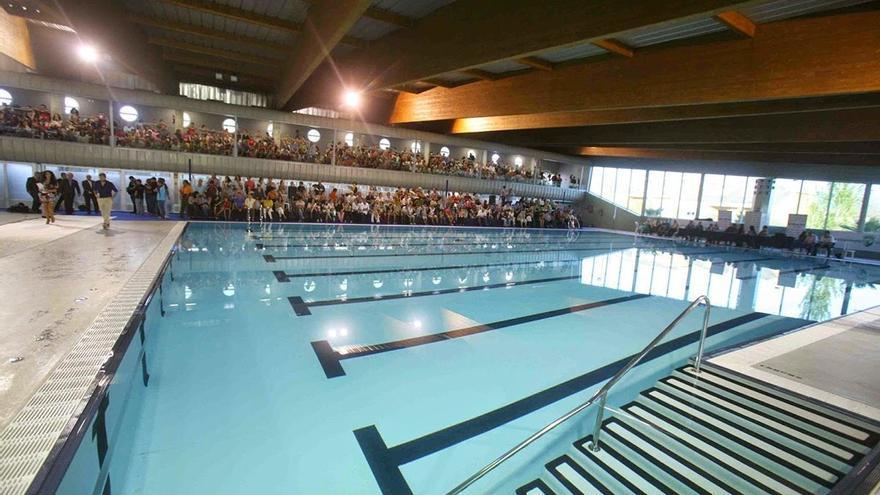 La piscina cubierta de Torre del Mar llevará el nombre de Eduardo Hernández