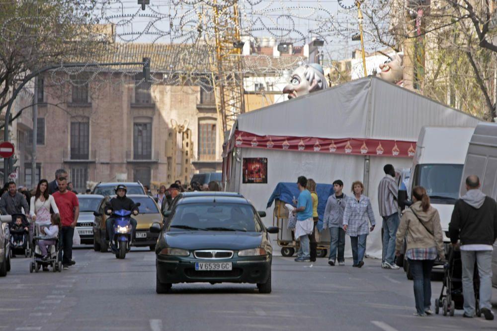 Carpa de Linterna-Na Rovella en la Avenida del Oeste, uno de los factores que ha revalorizado a la comisión