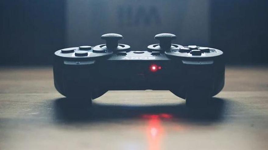 Un solsoní crea una aplicació de compravenda de videojocs