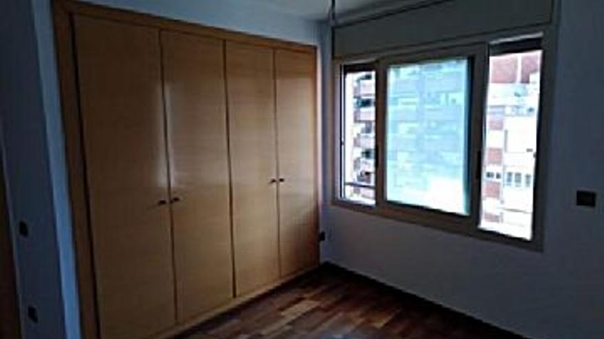 81.600 € Venta de piso en Manresa, 2 habitaciones, 1 baño...