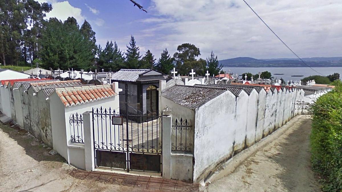 Cementerio de Carnoedo, en Sada.  | // LA OPINIÓN