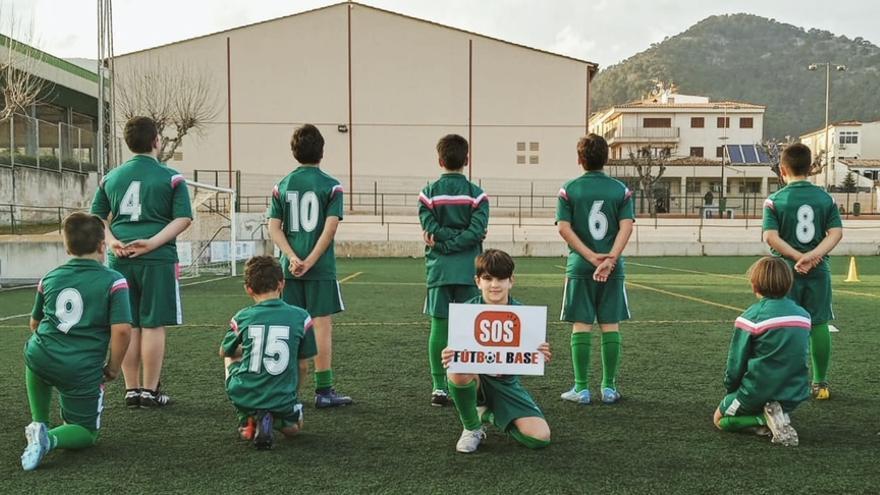 Éxito del parón en los entrenos convocados por la SOS Fútbol Base