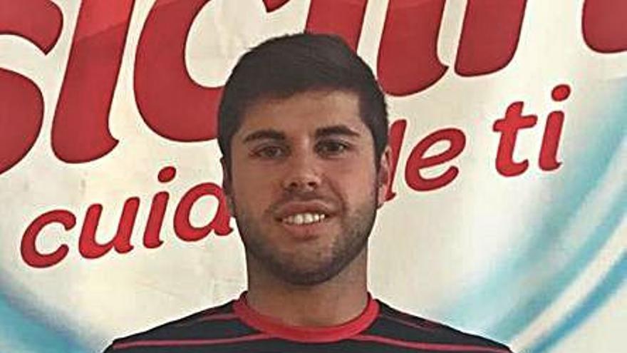 El Balonmán Lalín renueva al extremo Ramón Gil y al lateral José Pedreira