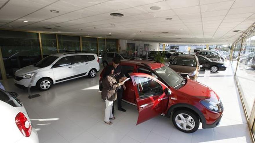 El mercado automovilístico español cae un 13,5%