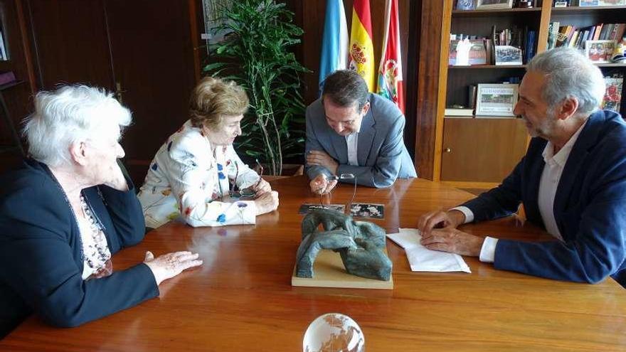 """Caballero: """"Vigo quiere tener con Cíes lo mismo que A Coruña con la Torre de Hércules y Santiago con su catedral"""""""