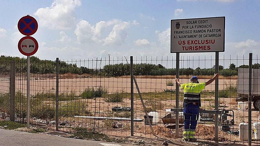 Catarroja habilita un nuevo aparcamiento en el barrio de les Barraques