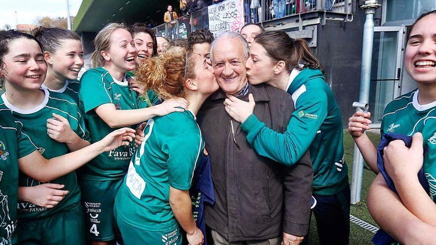 Adiós al adalid del fútbol femenino gallego