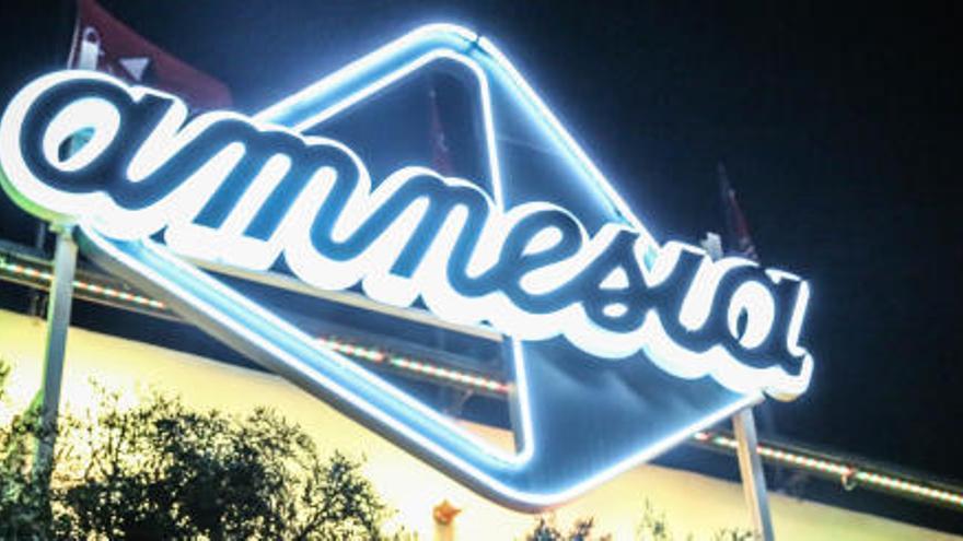 Desalojadas un centenar de personas de una fiesta privada en una discoteca de Ibiza