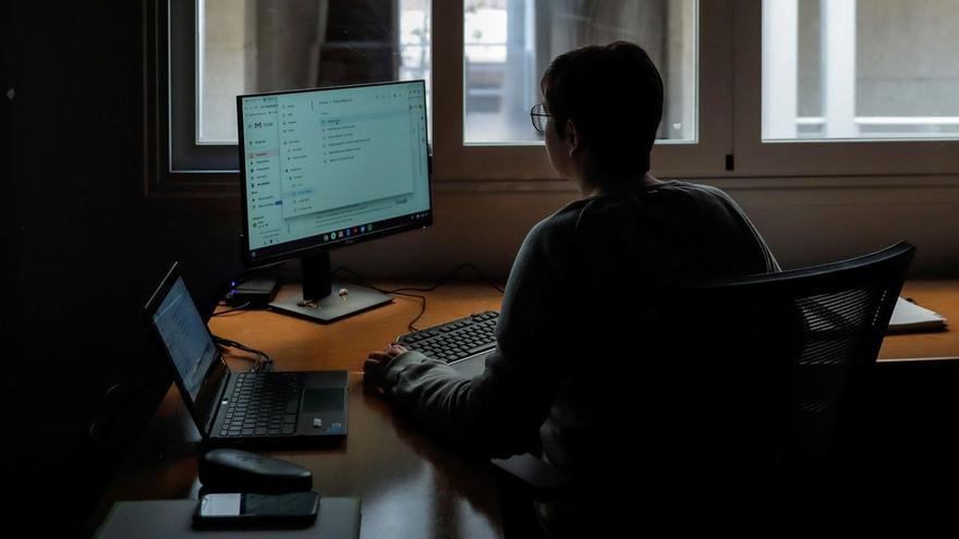 El CSIF defiende el teletrabajo y los procesos de estabilización de los funcionarios