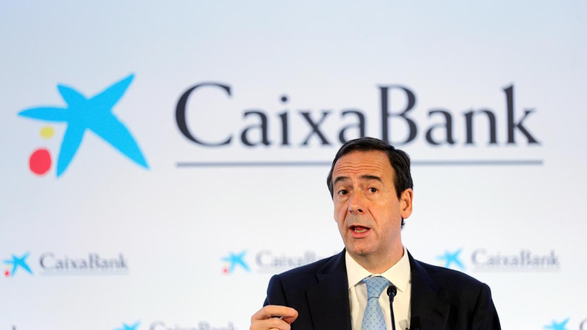 El consejero delegado de CaixaBank, durante la rueda de prensa en València.