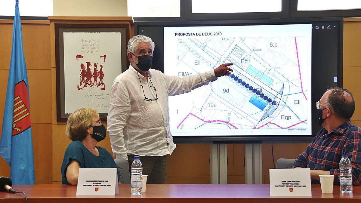 L'arquitecte redactor del POUM, Xavier Canosa, va defensar les modificacions del POUM