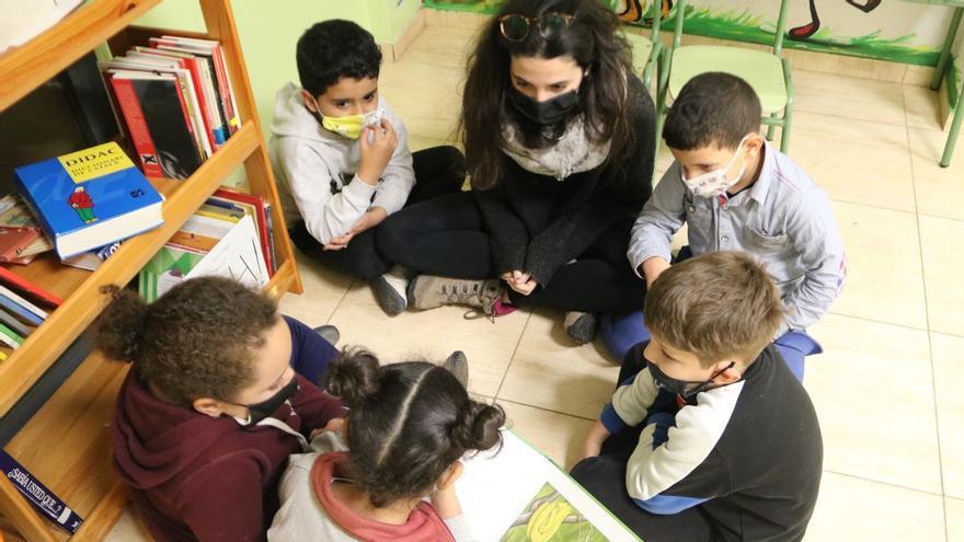 Els alumnes es podran treure la mascareta al pati si no es barregen amb altres grups
