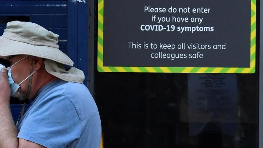 Reino Unido resta 5.000 muertos tras revisar su balance de la Covid-19