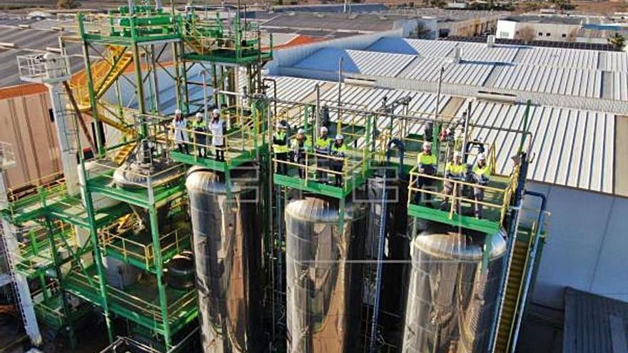 Imecal experimenta en l'Alcúdia cómo sacar bioetanol de la basura