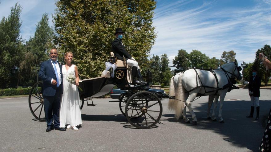 Una boda a caballo por las calles de Vigo