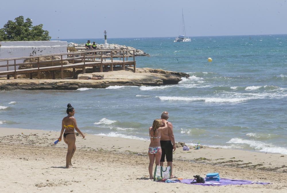 La Albufereta en Alicante, con bandera azul.