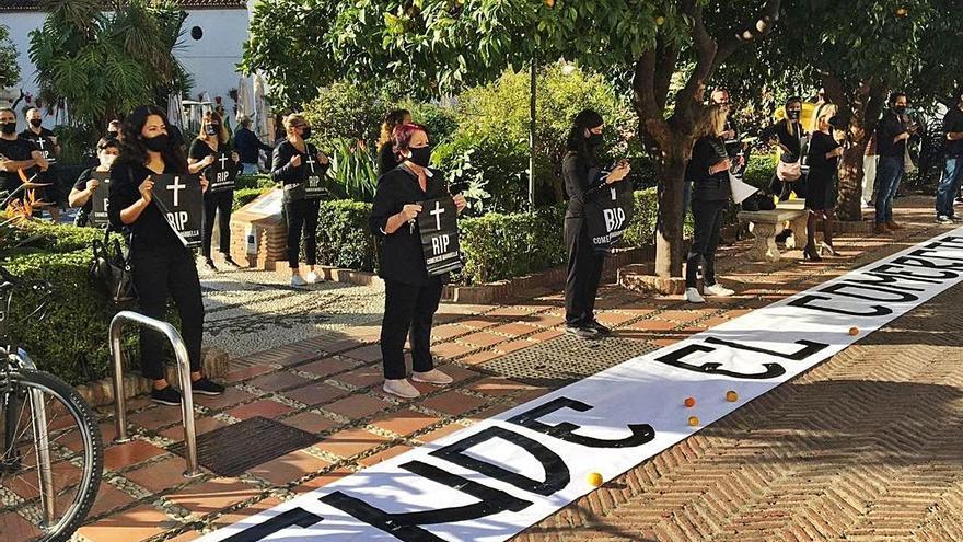 Comerciantes de Marbella vuelven a la calle para pedir ayudas contra el Covid