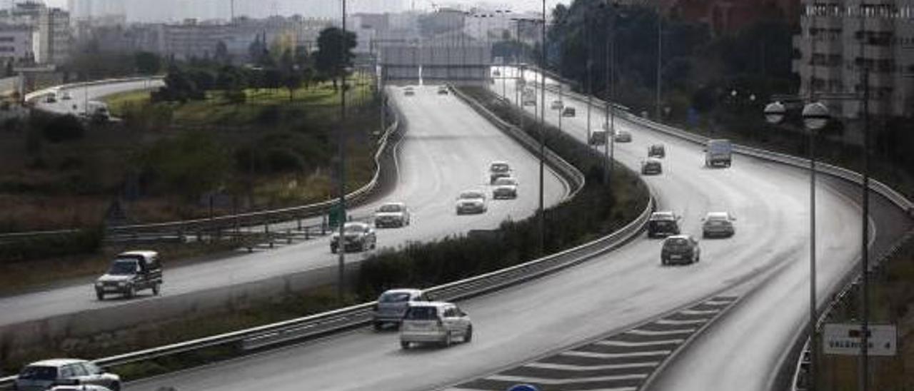 Valencia rechaza un ecoparque en Burjassot porque afearía la entrada por la pista de Ademuz