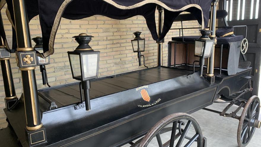 Peralada restaura i exposa el carruatge dels difunts de Vilanova de la Muga
