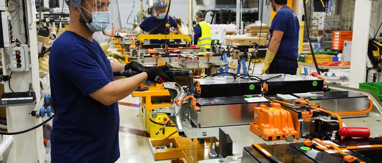 Producción en la factoría viguesa de PSA.