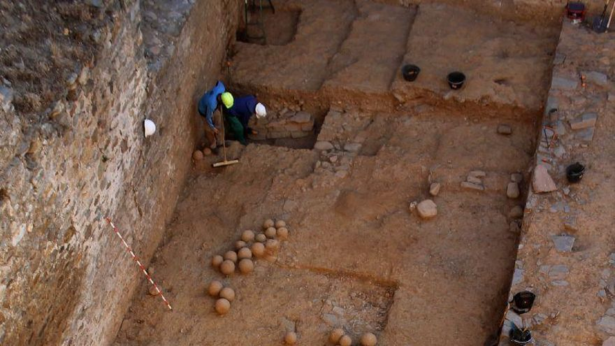 Ponferrada: Hallado un antiguo arsenal del siglo XV durante la rehabilitación del Castillo Viejo