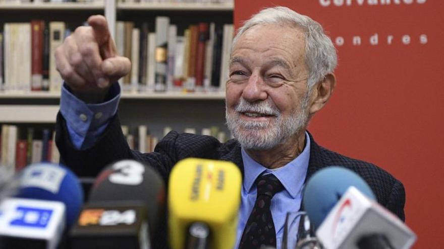 """Mendoza: el Premi Cervantes """"és un final de trajecte feliç"""""""