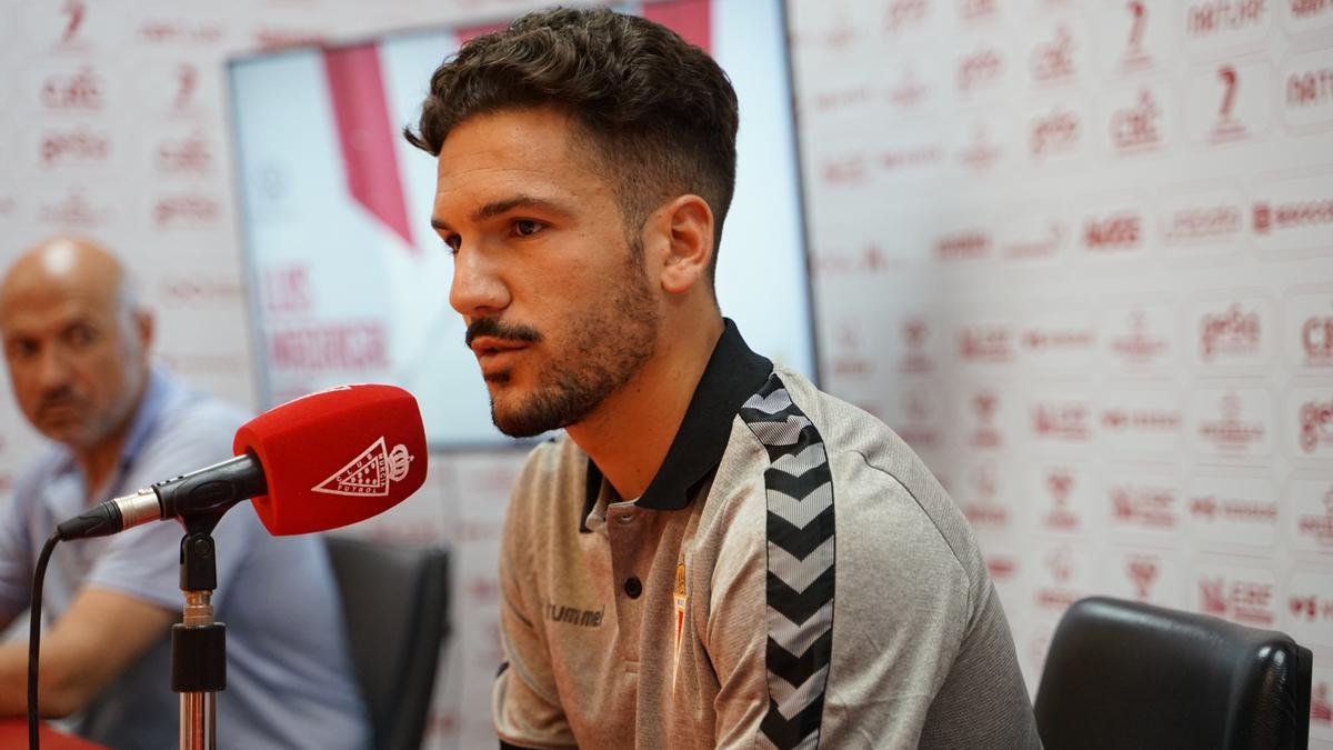 Luis Madrigal, en su presentación como jugador del Real Murcia