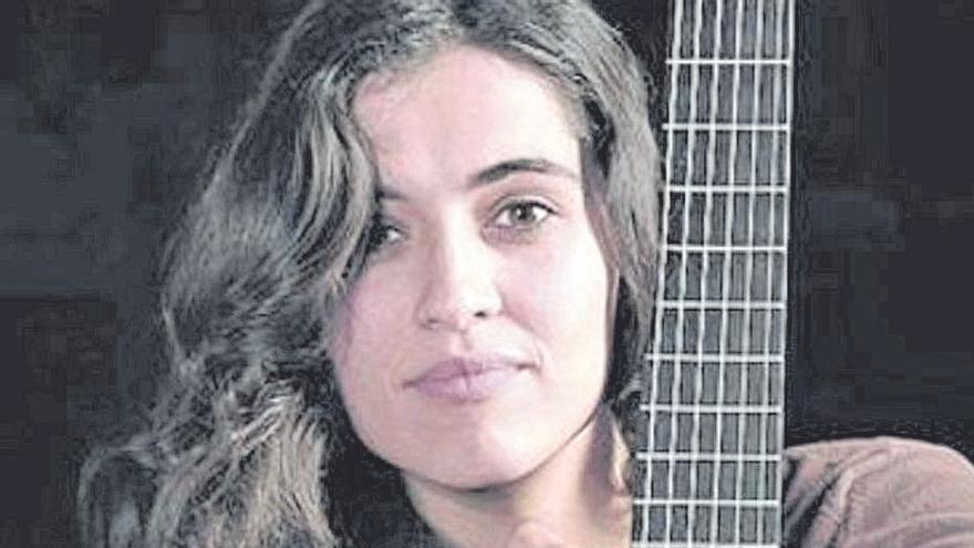 Silvia Pérez Cruz lleva esta noche su 'Farsa' al Auditorio Paco Martín