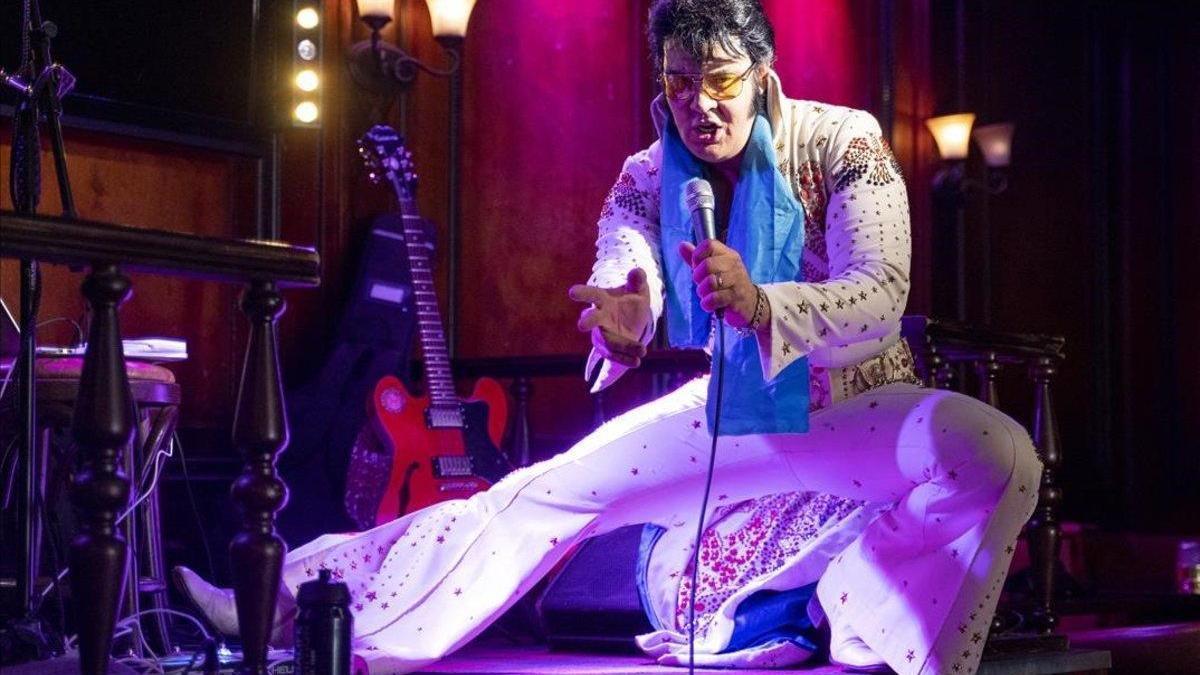 Un noruego bate un récord mundial cantando a Elvis durante 50 horas