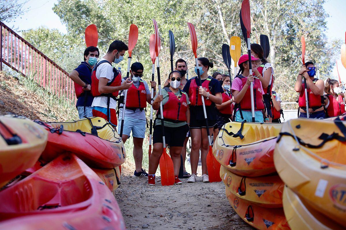 Disfruta del Río a golpe de remo. Piragüismo en Villafranca