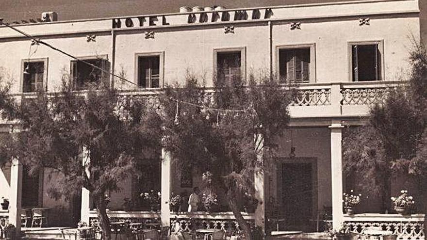 Reobre el Voramar, un dels hotels històrics de la dècada  dels 50 a l'Escala