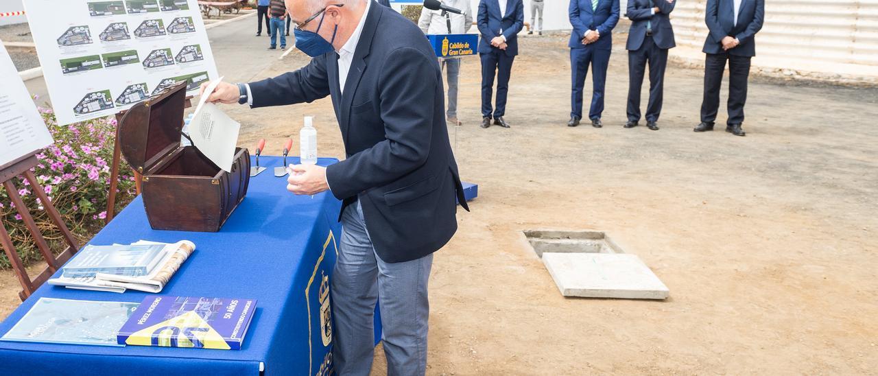 Antonio Morales, presidente del Cabildo, ayer durante la puesta en marcha de la ampliación de la depuradora de Bocabarranco.