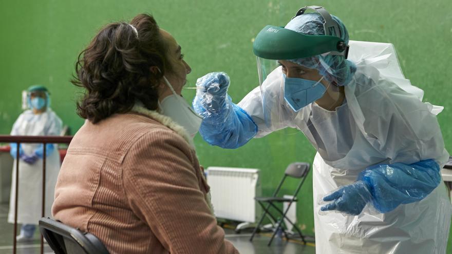 Sanidad comunica 31.060 nuevos contagios de coronavirus y 12 fallecidos más