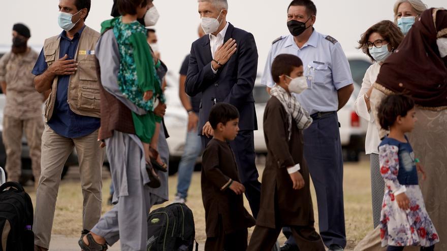 Aterrizan en Torrejón de Ardoz otros 290 afganos evacuados