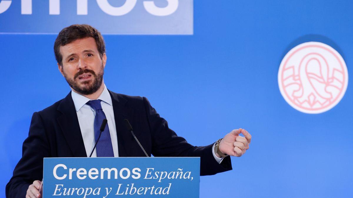 Pablo Casado pronuncia una conferencia sobre la economía española en el curso de El Escorial