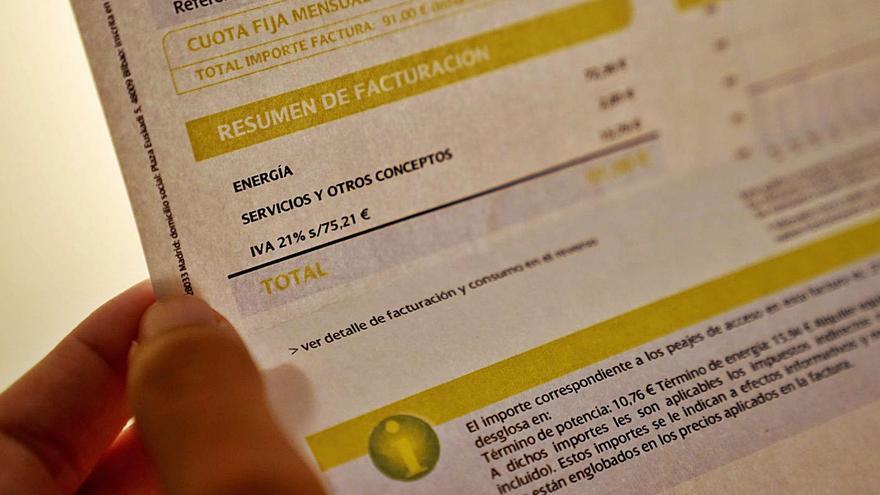El Govern espanyol aprovarà dijous abaixar l'IVA de la llum del 21 al 10%
