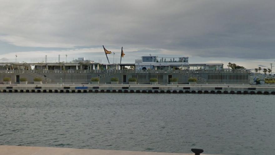 Herido un joven al caer desde cinco metros en La Marina de València